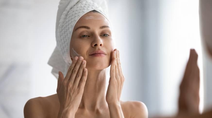 Perdita di tono della pelle e riduzione dell'elasticità cutanea, trattamento con Liftstructure di Filorga